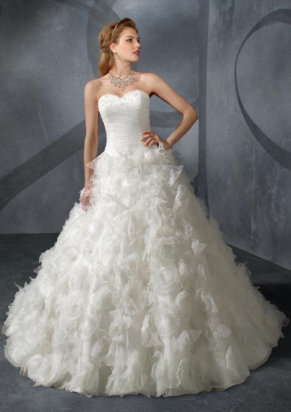 Свадебное платье с многослойной юбкой. Тренды и направления в Свадебной моде 2014-2015