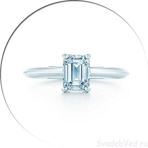 Кольцо с камнем формой прямоугольник