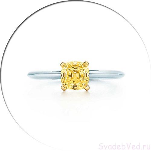 Кольцо с разноцветным камнем квадратной формы